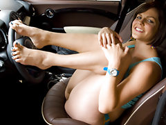 Bobbi Starrs Feet on the Wheel